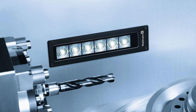 FLAT LED è perfetto per l'utilizzo nelle macchine di dimensioni sempre più compatte, in quanto si tr...