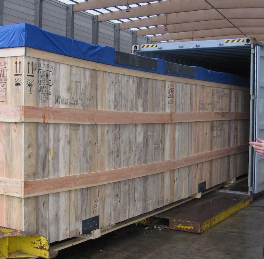 TPI vous propose la prestation général Cargo : Un conteneur maritime totalement cloisonné et étanche...