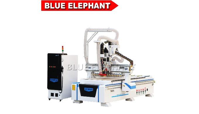 1. caractéristiques: Zone de travail effective de 1300 * 2500 * 200mm Broche Italie HSD 9Kw, 18000 t...