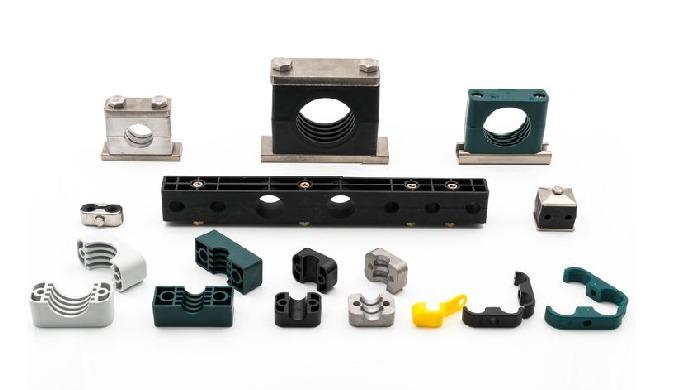Mit dem modularen Schellensystem von Stauff montieren Sie Rohre und Schläuche effizient. Die Schelle...