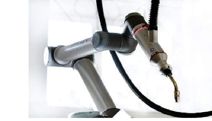 Robotické rameno pro přesné svařování