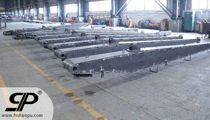 metal fabrication knuckle boom for shipbuilding large weldment