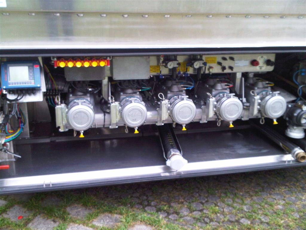 Version avec ou sans poignéeAvec bague d'usure BRONZE/LAITON interchangeableBouchon aluminium,suivan...