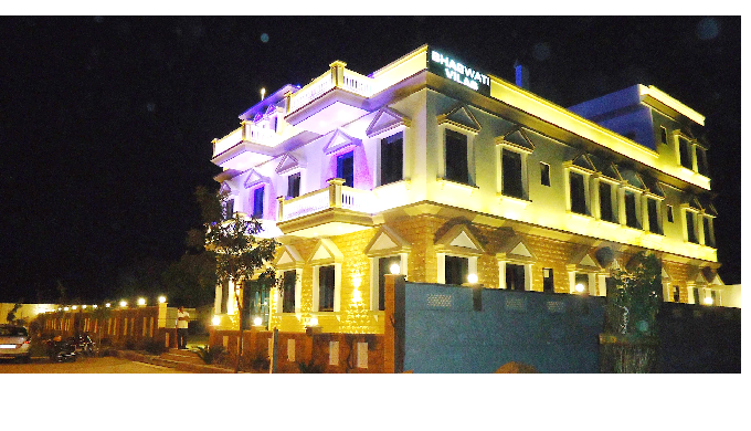 Bhagwati Vilas offers accommodation with an on-site restaurant, free parking(private), a shared loun...