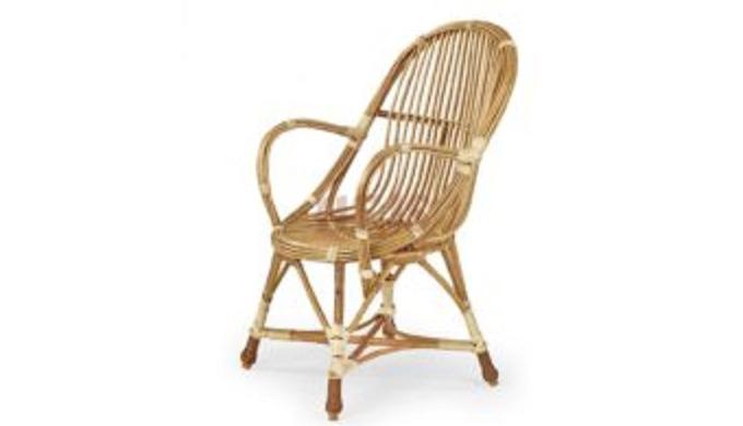 Stolik wiklinowy, fotel wykonane z wikliny korowanej przeznaczony do użytkuwewnątrz pomieszczeń domó...