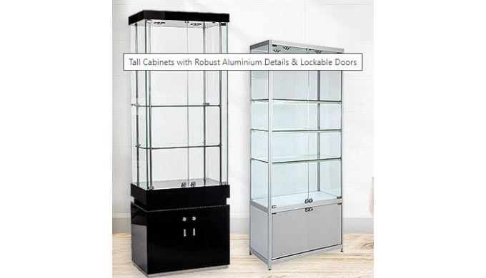 This tall mirrored cabinet with tempered glass and an aluminium frame. This mirrored cabinet 2 LED s...