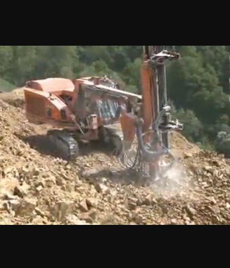 SE CARRIERES VIAL, spécialiste de travaux publics par l'exploitation de carrières en roche massive, ...