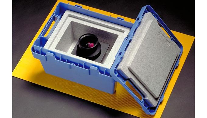 Mit unseren Isolationsboxen können Sie temperaturempfindliche Waren unkompliziert und sicher versend...
