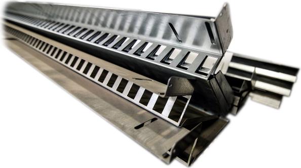 CNC děrování plechu