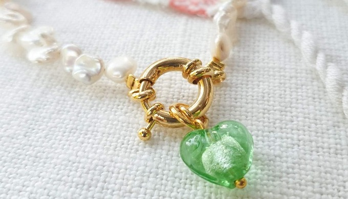 At Sparkle & the Sinner, we are a well-known name for offering handcraft jewellery for those who sha...