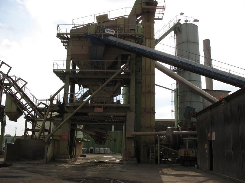 """Yamen produces asphalt through its fully computerized Asphalt Plant """"Marini M 200"""" with a capacity o..."""