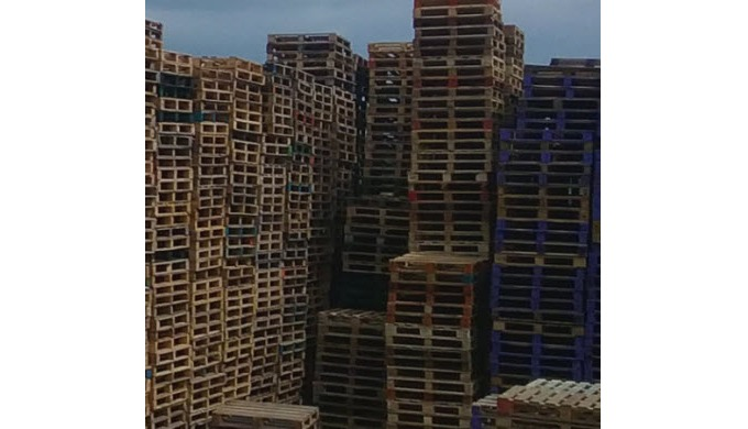 Used Wooden Pallets, Wooden Pallets, Wooden containers,IBC Containers, Pallet clearance, Cardboard R...