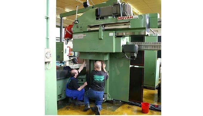 Unsere Montageteams verfügen über breite Erfahrung und grosses Know-how. Wir verfügen über Maschinen...