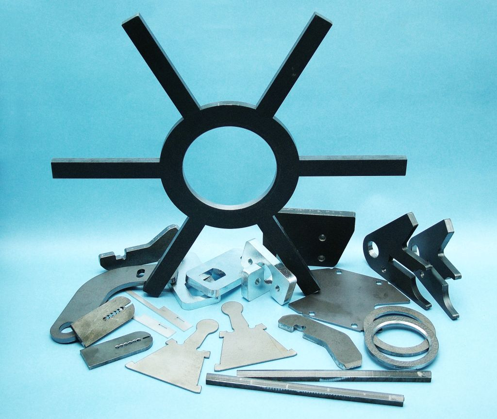 DENDERA and.with. – a traditional processor precision moulded parts made of sheet metal and profiles...