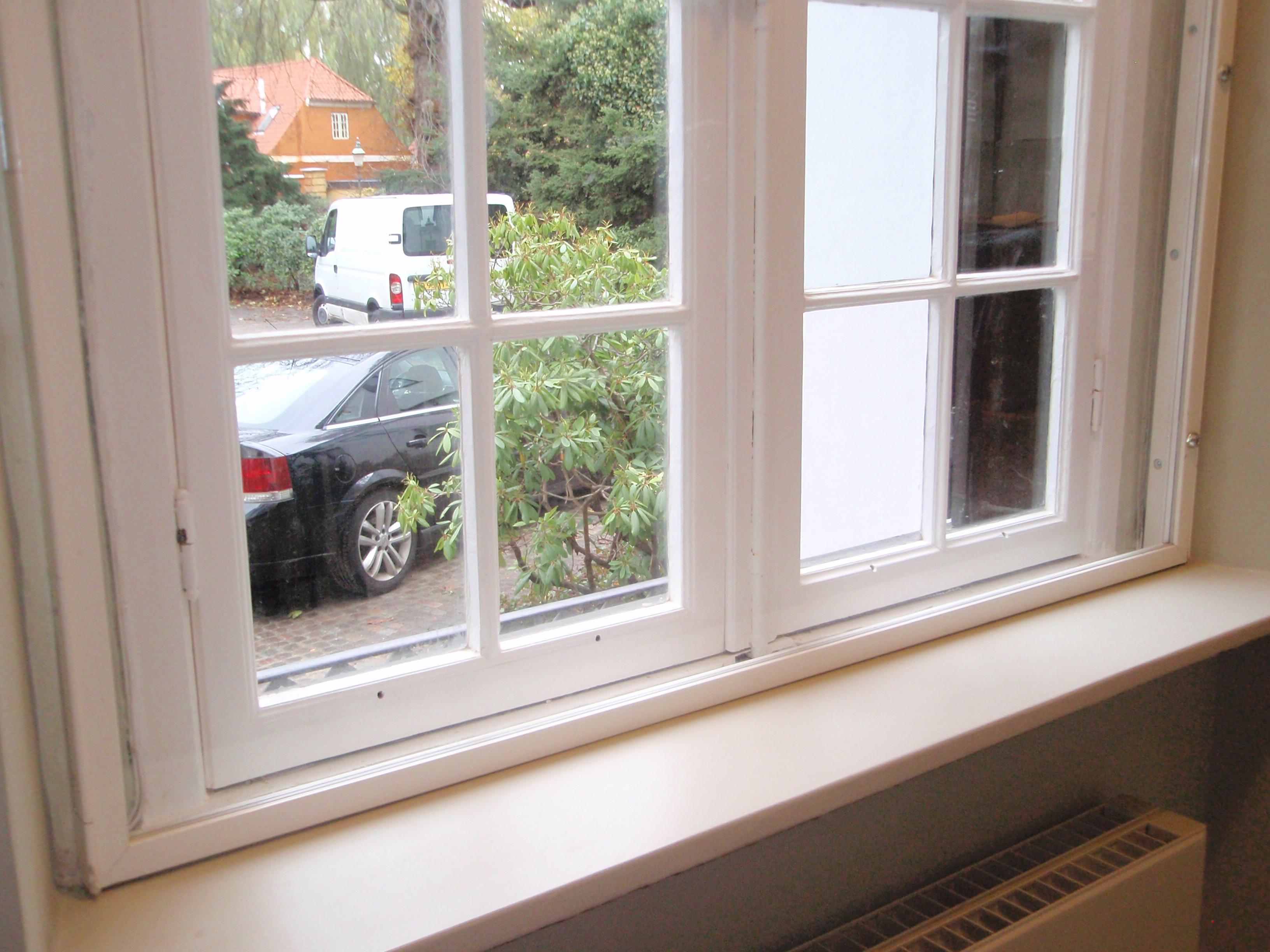 Fastgitter Safe 4000 Type Elegance er et moderne fastgitter af polycarbonat og aluminium. Gitteret e...