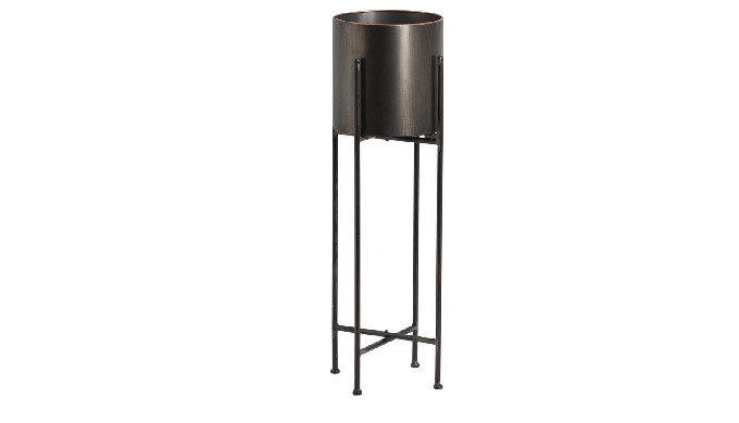 Black Metal Planter, Best For your Homes. Kindly Contact for Further Information.