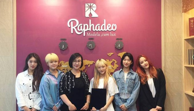 K-pop Girlgroup GirlS Alert, a steady 'beauty idol' Move being the exclusive of Raphadoe for an inner beauty product