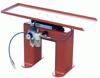 Pneumatisk drivenhet för utmatning av detaljer och skrot från pressar och stansautomater.