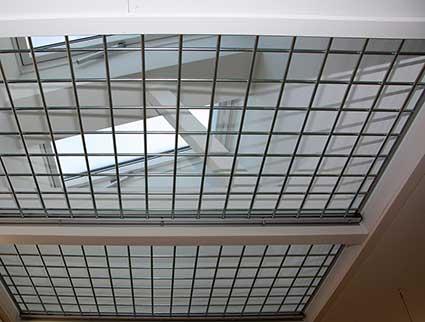 Fastgitter Safe 3000 er et enkelt stålgitter til kontoret, lagerlokalet eller lignende, hvor der er ...