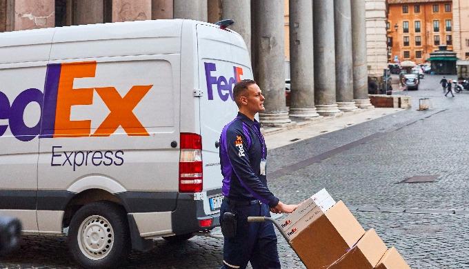 Связанный мир — это лучший мир. Этот тезис положен в основу всего, что делает FedEx. Решения компани...