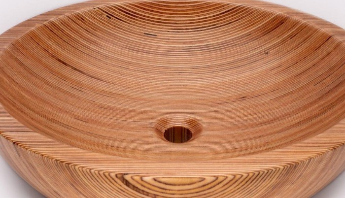 Dřevěné umyvadlo ELECTRA Dřevěné umyvadlo ELECTRA - struktura dřeva u tohoto umyvadla je ve vertikál...