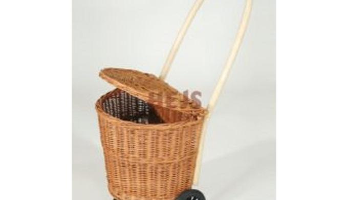 Ekologiczne kosze z wikliny plecione na zakupy wykonane ręcznie