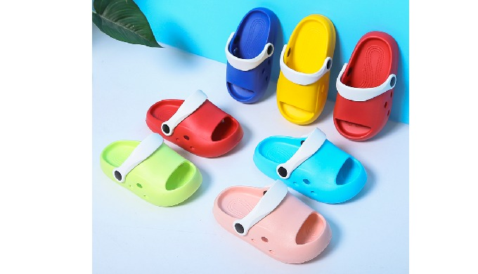 Children's slippers are super light,beautiful and good quality. Materials:EVA Shoe size:140mm~190mm ...