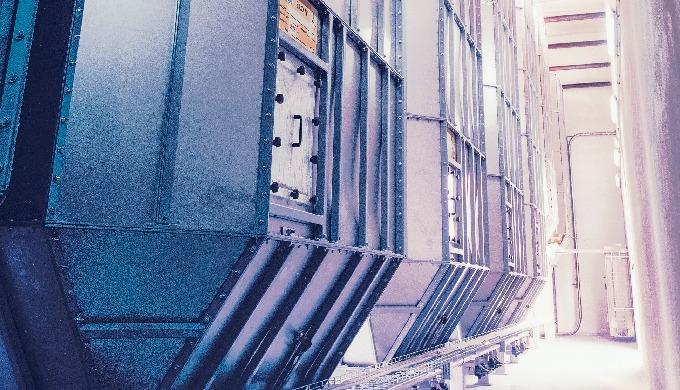 Silos per interni in acciaio inox o alluminio, adattabili a qualunque esigenza di spazio. Modulari e...
