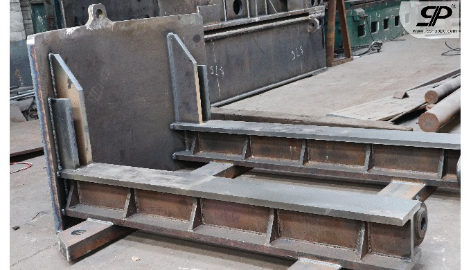 Welding steel base for Shield machine