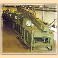 Impianti industriali per la produzione di tubi e lastre in gomma espansa per isolamento