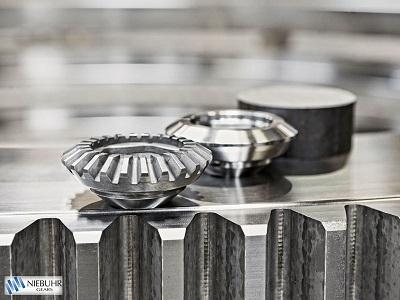 Niebuhr Gears har specialiseret sig i at fremstille koniske tandhjul i serier ved hjælp af avancered...