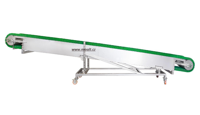 Belt conveyor is used for transporting sludge cake from MP-DW dewatering screw press. The use of con...