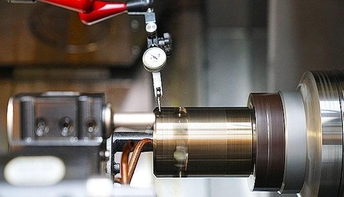 Präzise Durchmesser an gehärteten Teilen lassen sich nicht nur durch Schleifen erreichen. Zur Bearbe...