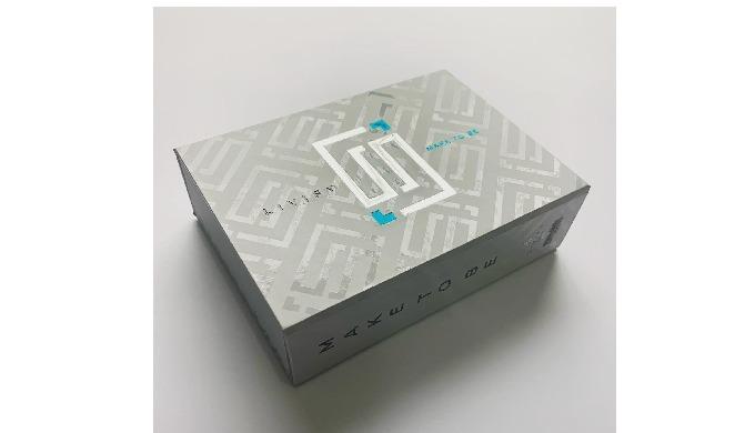 Las cajas rígidas, también conocidas como 'luxury boxes', son ideales para packaging empresarial, ki...