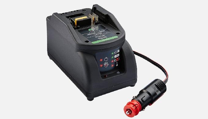 Pour la connexion 12 V dans le véhicule. – Tension de charge: 16,4 V – Max Courant de charge: 1,6 A ...