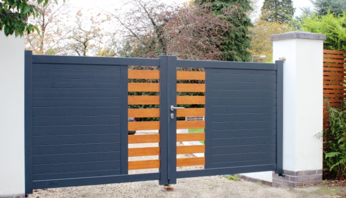 Aluminium gates are strong, beautiful and free from rot or rust. Aluminium is light, easy to cut and...