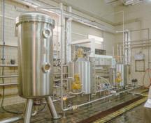 Společnost DESTILA s.r.o. - přední český výrobce a dodavatel pivovarů a lihovarů, nerezových filtrů ...