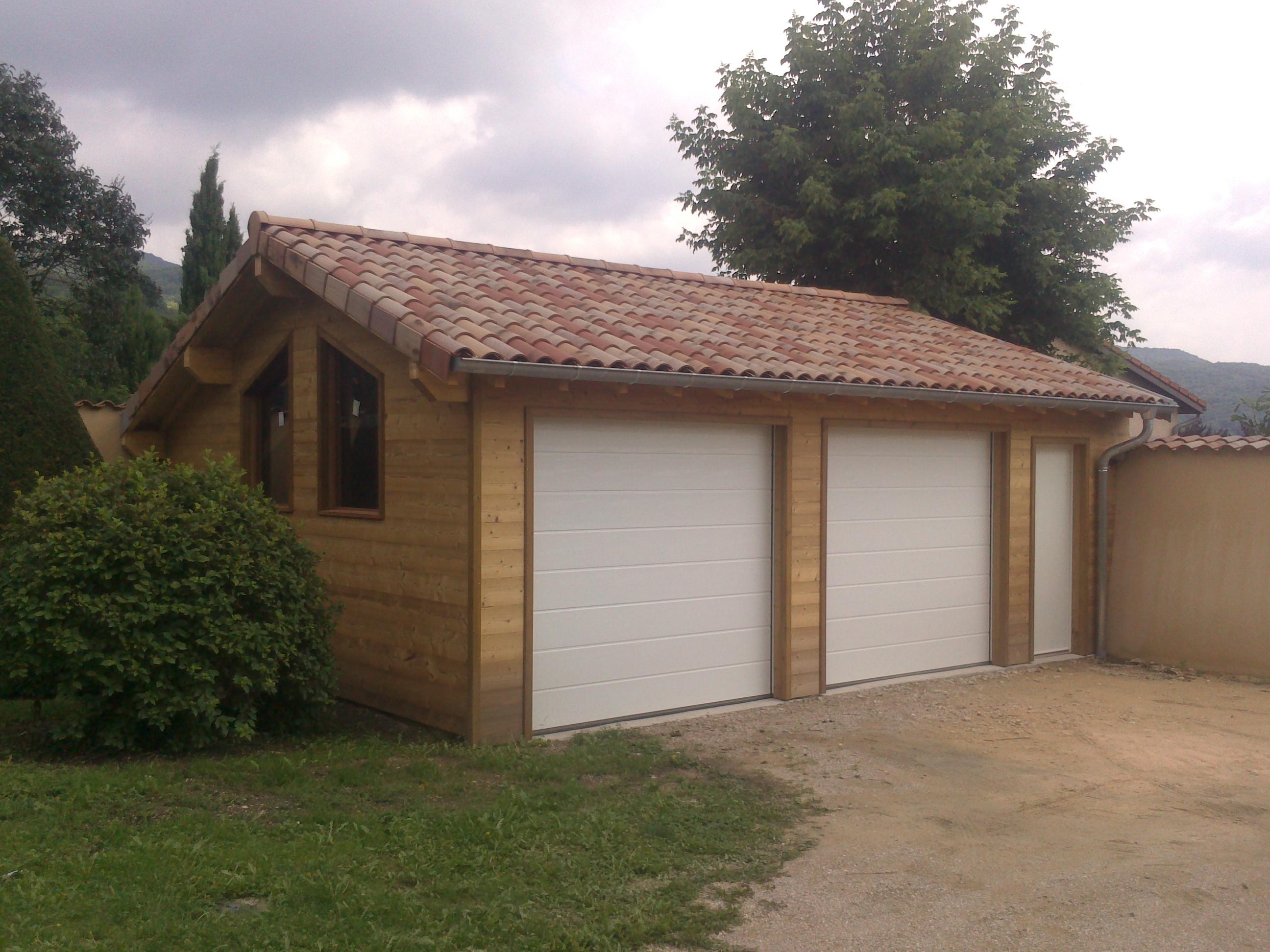 Nous réalisons sur mesure des agencements en bois pour vos extérieurs et intérieurs. Autour de notre...