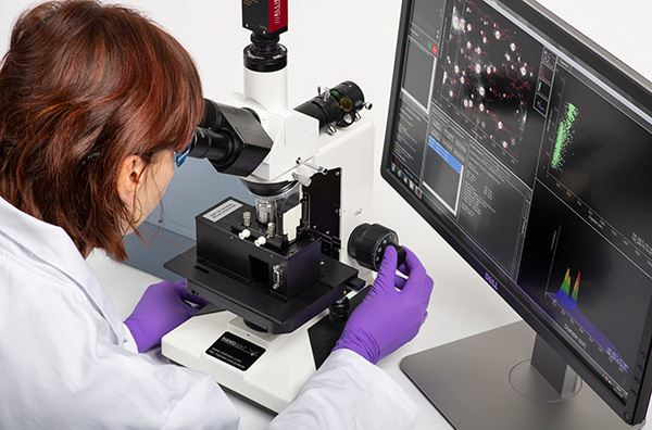 Le NanoSight LM10 de Malvern est une plate-forme simple d'utilisation et reproductible dédiée à la c...
