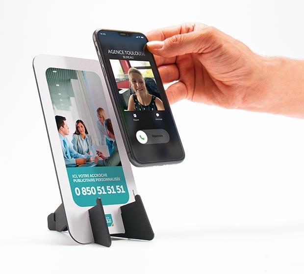 SMARTCALL, support de téléphone publicitaire de CREIDEO