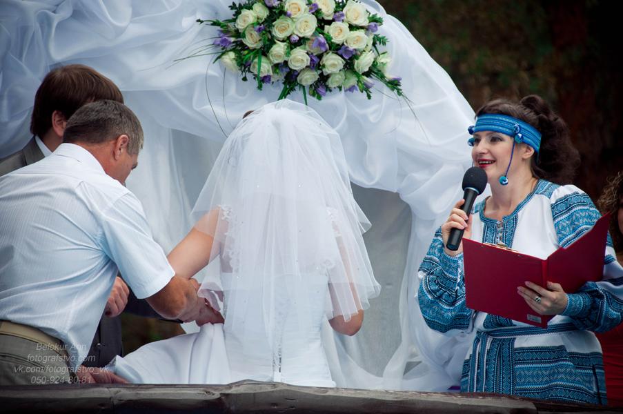 Ведущая вашей выездной церемонии Валентина Коло