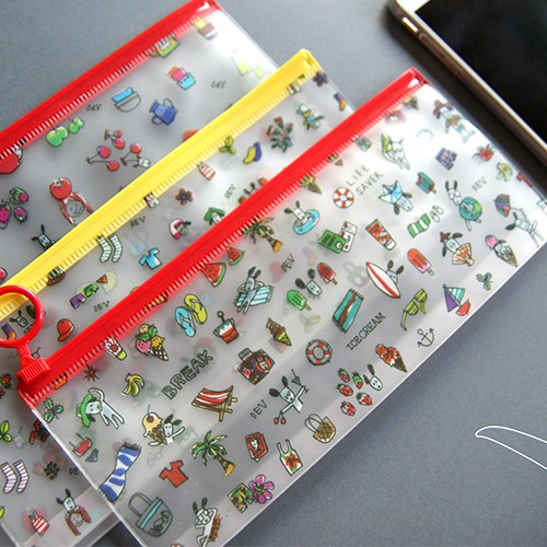 Odong et Valerie Clear Pouch - 002 Small Size 22 x 9 cm. The material is PVC. lovely design. UV prin...