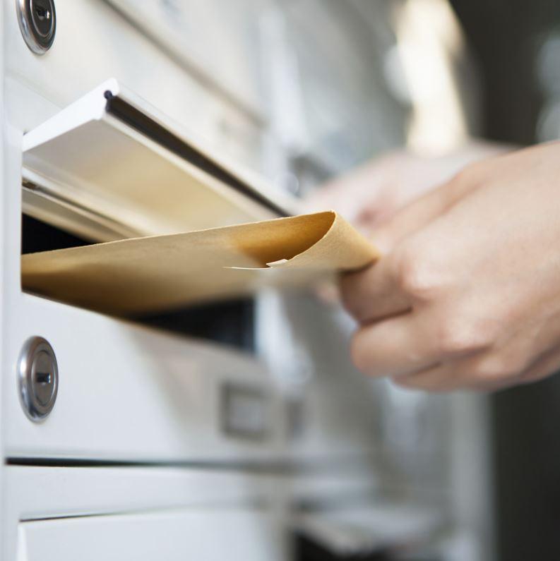 Collecte et affranchissement du courrier postal