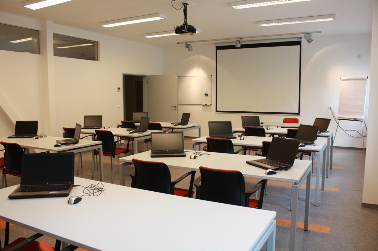 Firemní tréninky: Ve spolupráci se vzdělávacími společnostmi Vám rádi zprostředkujeme jedno či víced...