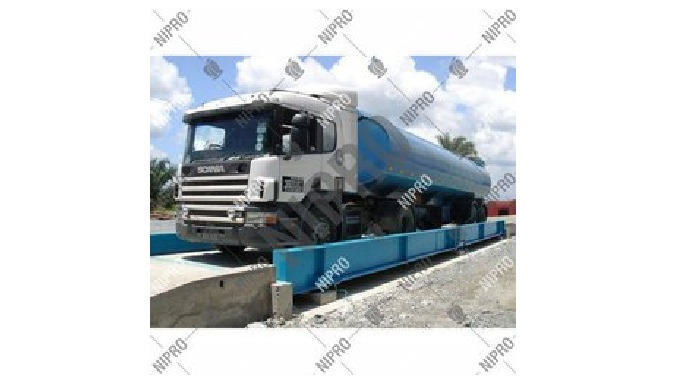 Material: Concrete Load Capacity: Max. 200 Ton Usage/Application: Public Size: 18 x 3 m Power Source...