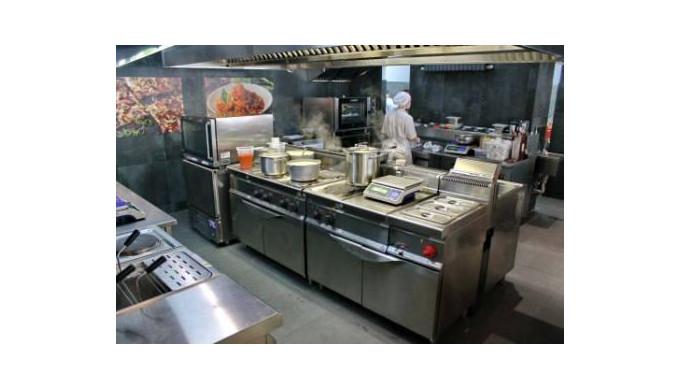 Masini si echipamente de gatit si copt, pentru catering.