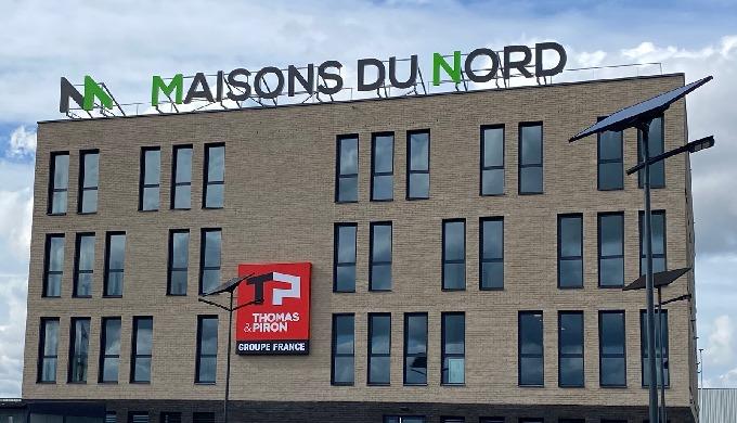Actif Signal Lille réalise les enseignes et la signalétique du nouveau Siège de Maisons du Nord Groupe Thomas et Piron