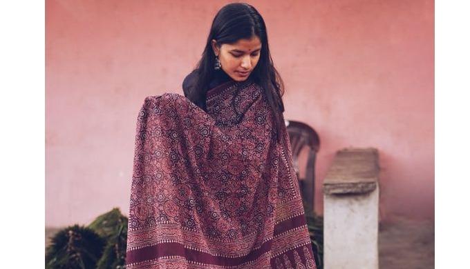 Explore an entrancing collection of authentic Handcrafted sarees, Silk Saree, Banarasi Saree, Cotton...