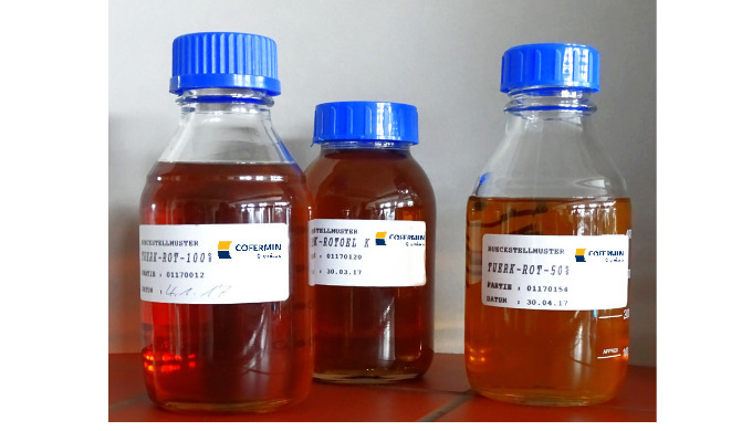 Türkischrotöle (Rizinusöl sulfatiert) der Cofermin Chemicals in Essen, Deutschland. Hergestellt in D...