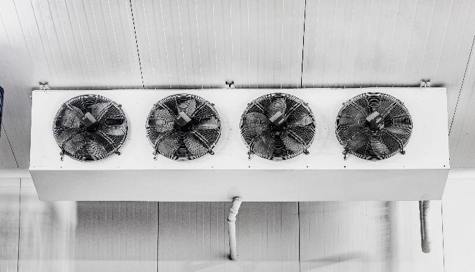 Soğuk hava depolarında ihtiyaç duyulan; oda içi sıcaklık, hacim ve depolanan ürünün tonaj kapasitele...